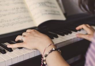 難しいけど実は弾けるかも!?コスパの良いピアノ曲を紹介