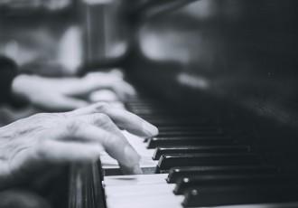 スローテンポなピアノ曲を演奏しよう(後編)